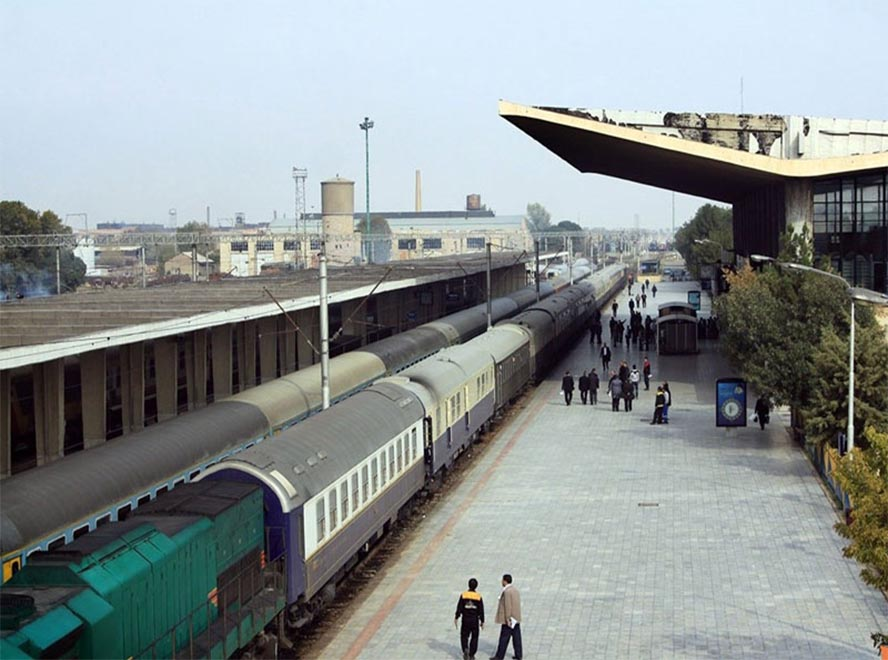 how to get to kish island: by train