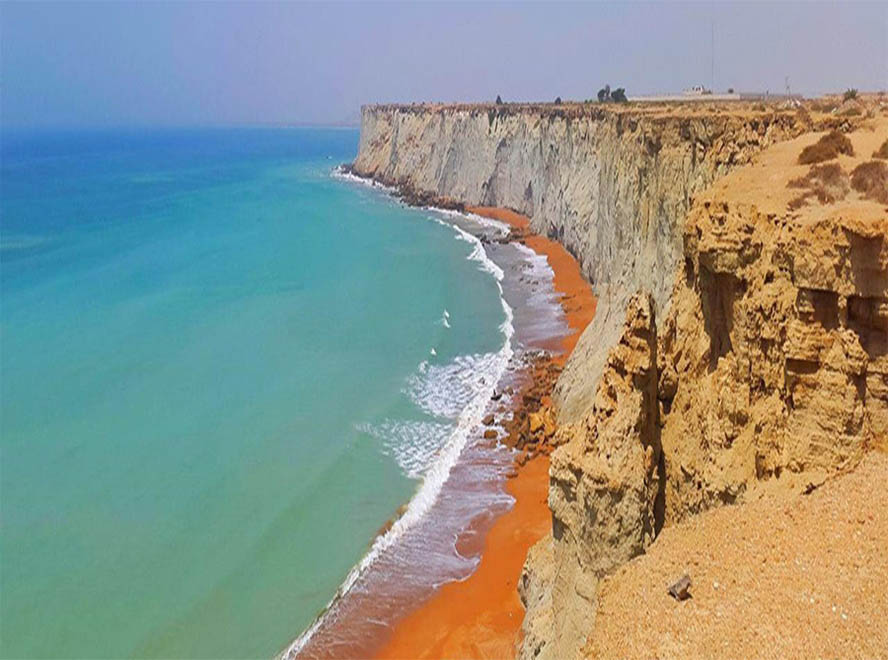 Iran beaches 2019: Chabahar Brice Beach and the road leading to it